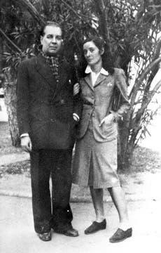 Con Estela Canto, la mujer a la que le dedicó El Aleph. Foto: Archivo / LA NACION