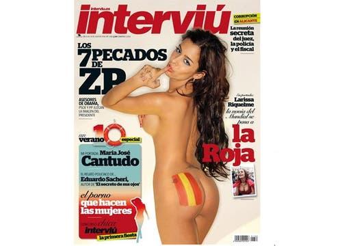 La paraguaya Larissa Riquelme no dudó en volver a desnudarse para celebrar la victoria de España en la Copa del Mundo. Foto: Gentileza Interviú