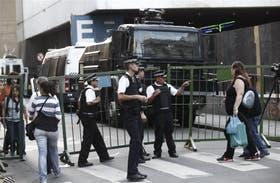 La Policía Metropolitana mantenía cercados los alrededores del Centro Cultural San Martín