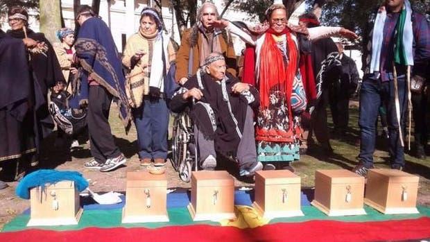 Restituyeron los restos de seis aborígenes del pueblo Mapuche Tehuelche