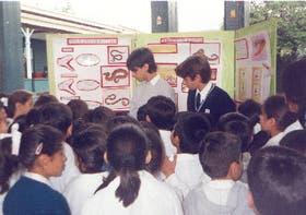 Estudiantes de la Escuela Pablo Apóstol, de Tucumán, capacitan a niños sobre la prevención de accidentes con animales salvajes