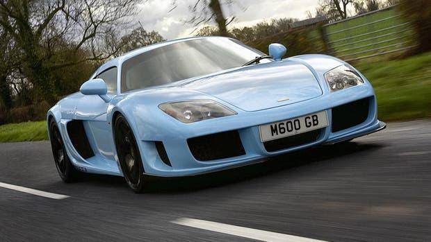 669 CV genera el V8 4.5 L de este M600; acelera de 0 a 100 km/h en 3s
