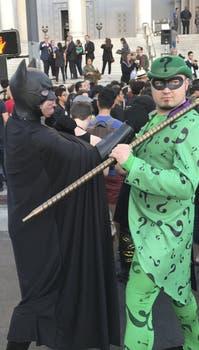 Así encendieron la Batiseñal en los Ángeles. Foto: AP