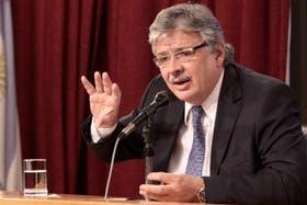 El secretario de Transporte, Juan Pablo Schiavi, durante la conferencia de prensa