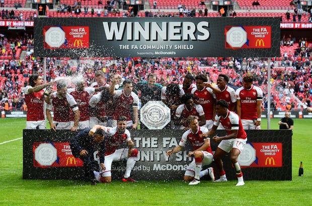 Arsenal se quedó con el primer título en Wembley