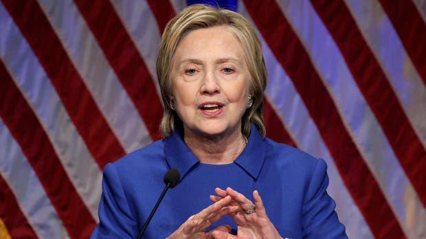 Trump no investigará a Hillary Clinton por sus correos: portavoz