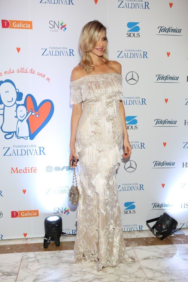 Guillermina Valdez, con un vestido de El Camarín