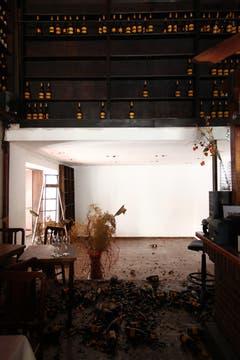 Los negocios de los alrededores sufrieron varios daños. Foto: LA NACION / Ezequiel Muñoz
