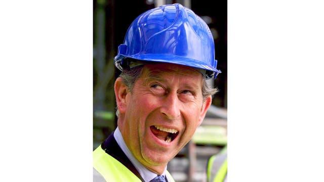 En julio de 1999 recorrió la obra de reconstrucción de la Royal Opera en Londres