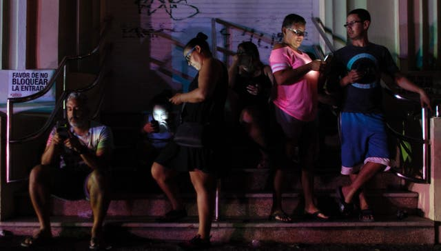 Se decide sobre el coste de reconstruir Puerto Rico