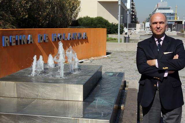 El diplomático, en Puerto Madero, donde se encuentran sus oficinas