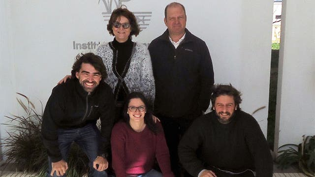 Los autores del estudio: Nora Gómez, Rocío Pazos, Tomás Maiztegui, Darío Colautti y Ariel Paracampo, investigadores del Instituto de Limnología Dr. Raúl A. Ringuelet