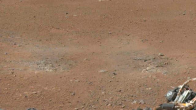 Rastros de los cohetes que permitieron el descenso de Curiosity. Foto: Reuters