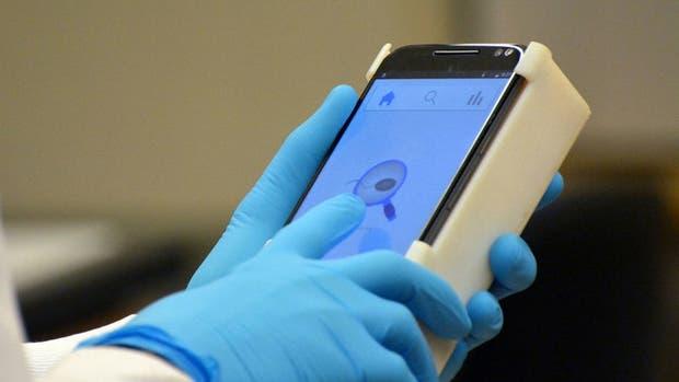 Inventan dispositivo para smartphone que analiza calidad del esperma en los hombres