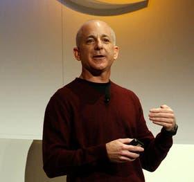 Sinofsky ayudó a Bill Gates a entusiasmarse con la web a principios de los años 90