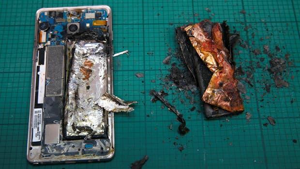 Así quedó un Galaxy Note 7 después de que se prendió fuego su batería