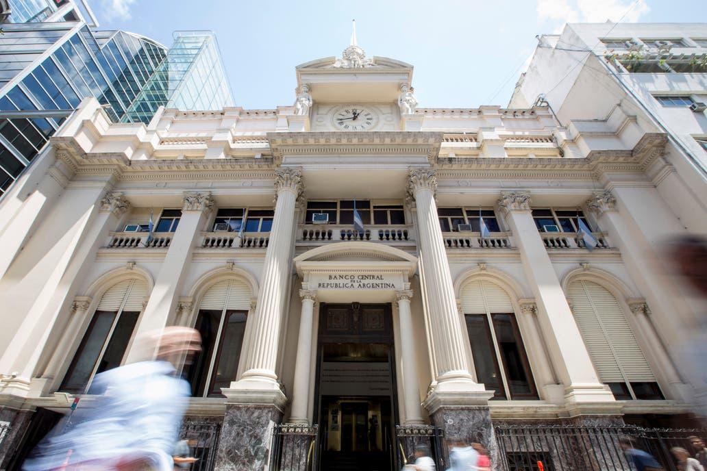 El Banco Central mantuvo la tasa de referencia en 27,25% anual
