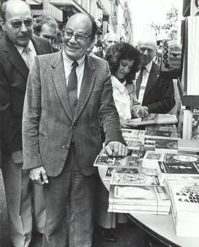 El historiador, en la Semana del libro de 1987. Foto: Archivo / Búsqueda documental de Gabriela Miño