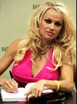 """Para publicar Star en 2004, Pamela Anderson necesitó la ayuda de un """"ghostwriter"""". Foto: Archivo"""