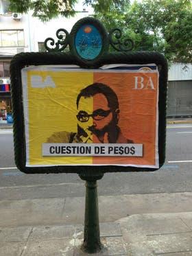 Los afiches contra Jorge Lanata, en la vía pública porteña y en varios lugares de la provincia de Buenos Aires