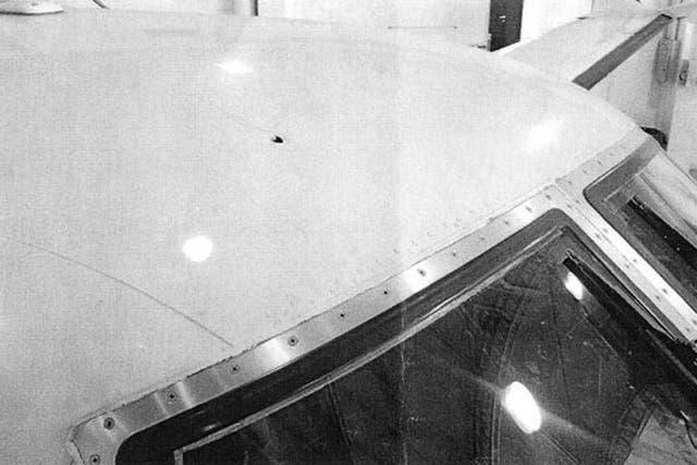 Así quedó el avión tras el atentado