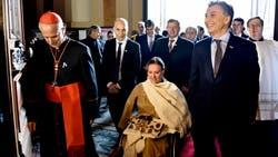 Poli, al ingresar ayer a la Catedral junto a Michetti y Macri
