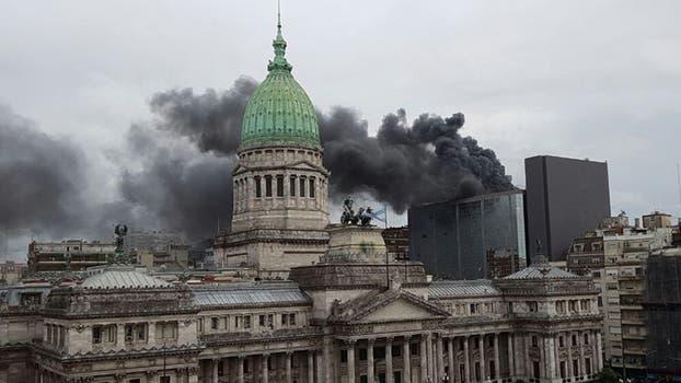 Incendio en el anexo del Congreso Nacional