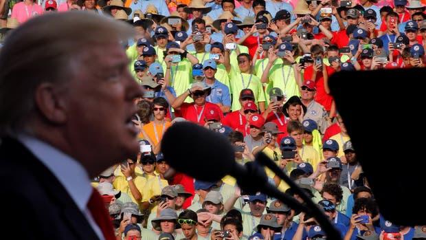 Donald Trump brindó un discurso ante 40 mil boy scouts y provocó el enojo de los padres