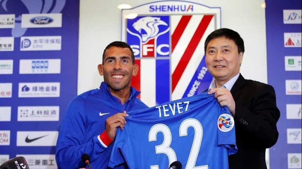 Todos contra Carlitos: el presidente del Shanghai Shenhua destrozó a Tevez