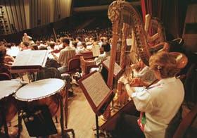 Spierer tocó y dirigió desde su atril a la Sinfónica Nacional