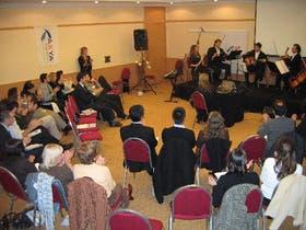 Tanto la improvisación con los tambores como la música clásica pueden servir para otros aprendizajes