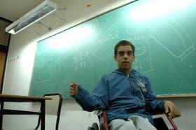 Ezequiel Zanuttini tiene 15 años y padece las consecuencias de una escuela no accesible para todos