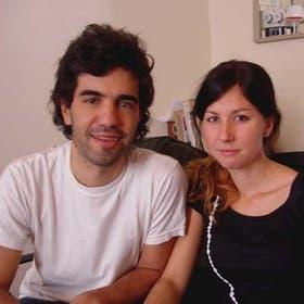 Carlos Genoud y Victoria Riqué, integrantes de X-Cruza
