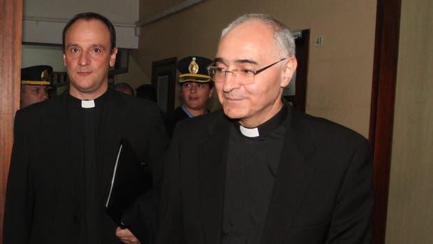 Dante Simón, el vicario judicial en representación del Sumo Pontífice en su visita a los tribunales