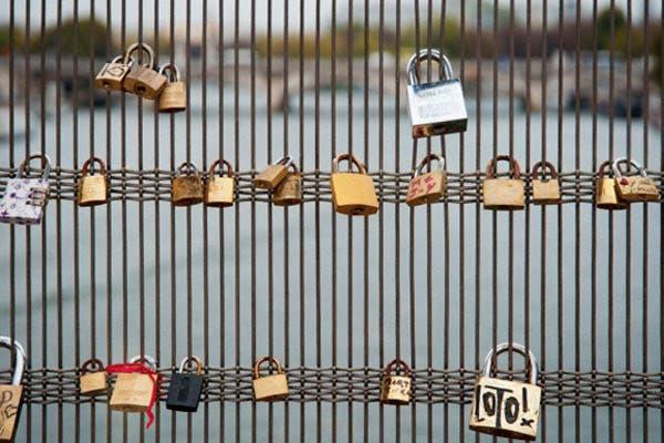 Un puente sobre el río Sena, en París. Foto: Corbis