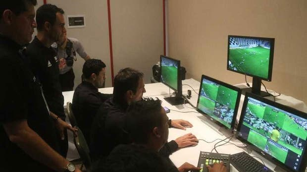 Desde semifinales, se utilizará el VAR como asistencia al árbitro