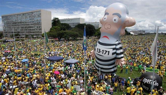 Brasilia: en la capital brasileña se reunieron más de 100.000 manifestantes