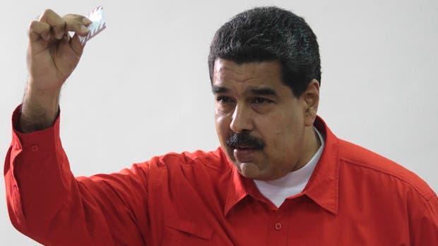 El vergonzoso momento que pasó Nicolás Maduro al votar por la Constituyente