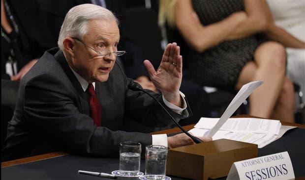 El fiscal general Sessions, ayer, durante la audiencia en el Senado