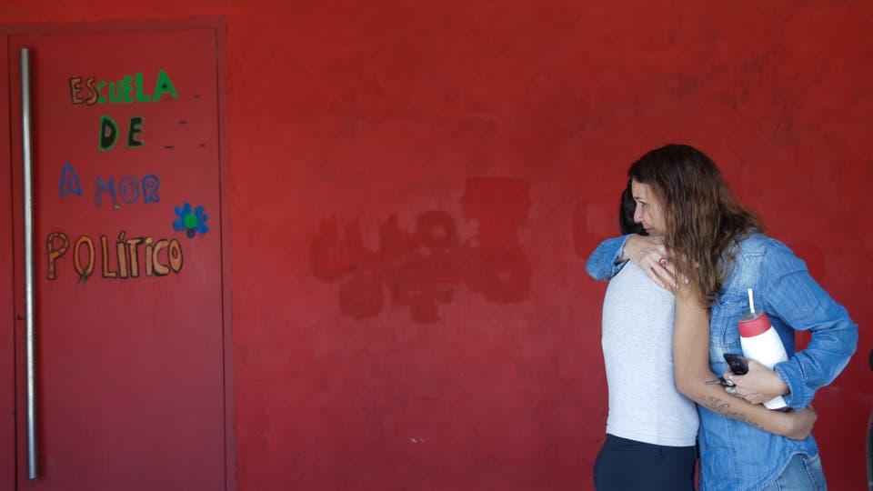Los desafíos de una escuela cordobesa que educa en un contexto de extrema violencia, en la primaria Alegría Ahora estudian 40 alumnos de entre ocho y 69 años; las adicciones y las agresiones figuran entre los principales problemas. Foto: LA NACION / Diego Lima
