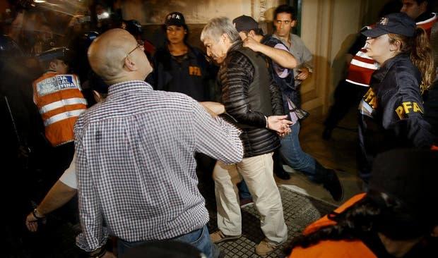 Causa Lázaro Báez: ordenaron más de 50 allanamientos