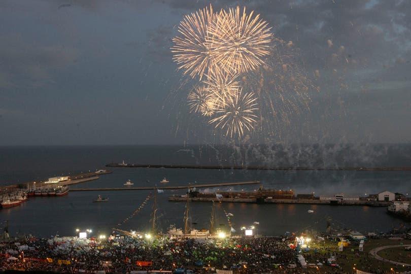 Excelente vista de los fuegos artificiales. Foto: LA NACION / Mauro V. Rizzi