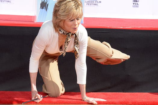 Fonda deleitó a su público con una clase especial de gimnasia. Foto: AFP