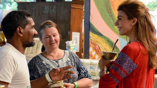 Juliana Awada visitó la feria gastronómica Masticar en el espacio El Dorrego, en el barrio porteño de Colegiales