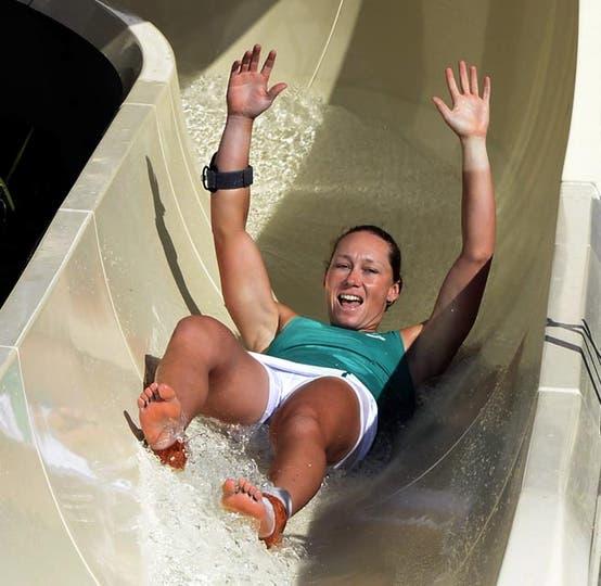 Ella disfruta en su tobogán. Foto: Fotos de EFE, AP, AFP y Reuters
