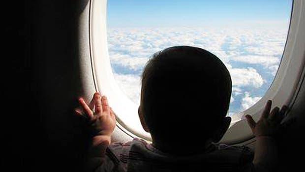 Jet Airways le regaló a un bebe pasajes de por vida por haber nacido en pleno vuelo