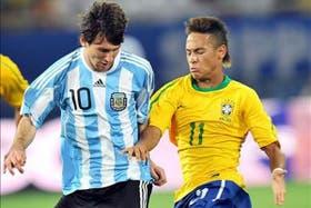 Messi y Neymar se cruzaron en Dubai; la Pulga hizo el gol de la Argentina