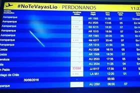 El mensaje a Messi en el aeropuerto