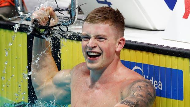 El británico Peaty celebra su segundo récord del día