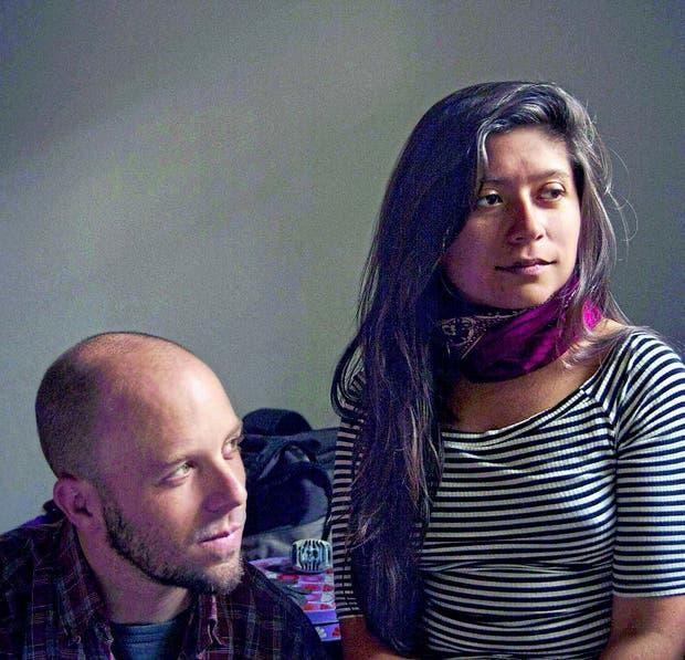 Nacho Vidal y Nadia Larcher, los dos integrantes de Será Arrebol